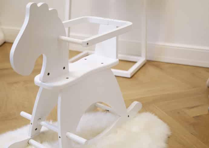 uuden-kodin-lastenhuone-be-design-lume-naulakko-2