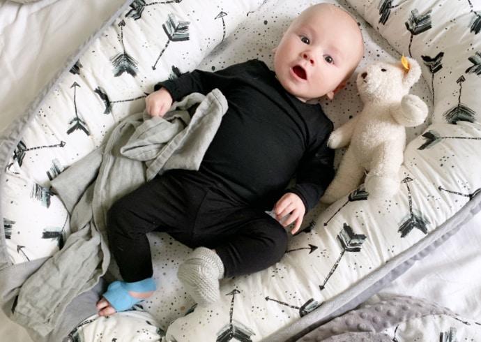 Vauvan turvalliset unet, voiko vauvapeittoa käyttää?