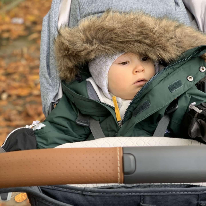 vauva talvipukeutuminen haalari